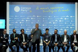 O governador do DF, Rodrigo Rollemberg, discursa na abertura da Campus Party
